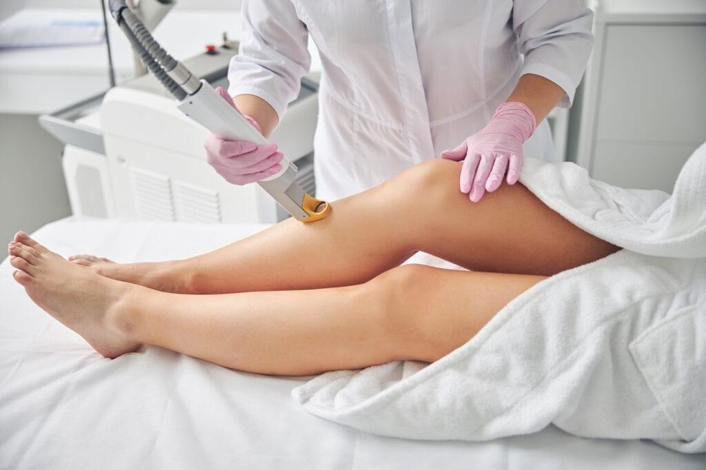 Kojų plaukų šalinimas lazeriu